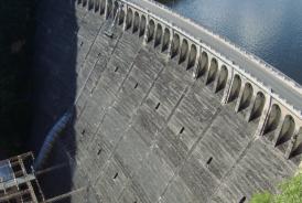 Rehabilitation of lifting facilites at EDF Sarrans hydroelectric dam