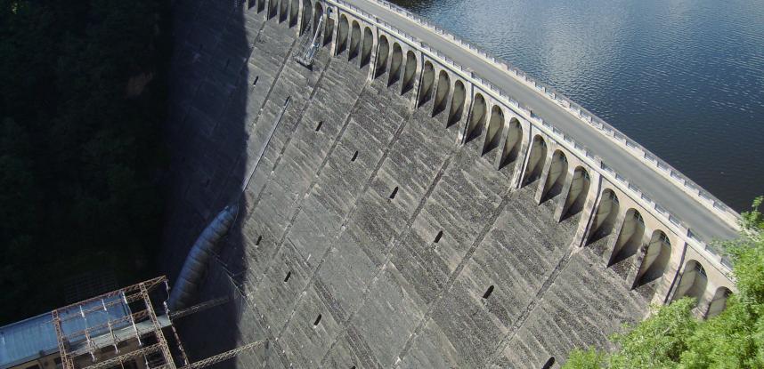 Réhabilitation des moyens de levage du barrage hydroélectrique EDF Sarrans